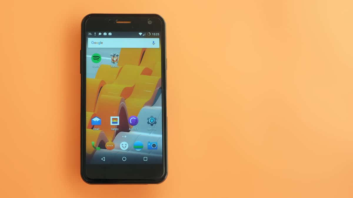 Download and Install Lineage OS 15 On Wileyfox Spark (Android Oreo)