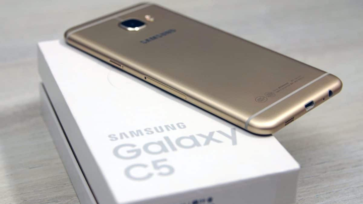Download Samsung Galaxy C5 Android 7.0 Nougat C5000ZCU1BQJ2 update